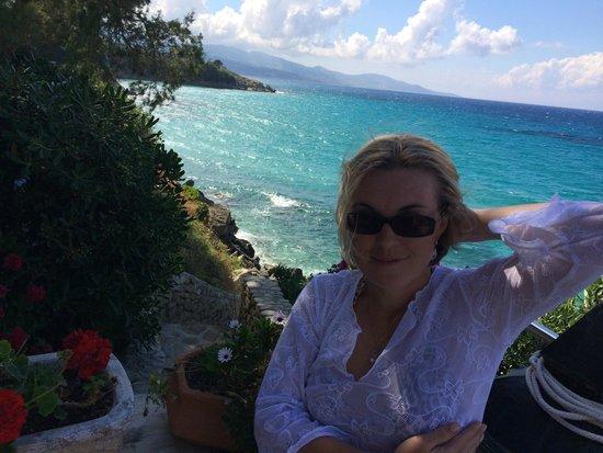 Paradisso Beach Villas: спуск к морю