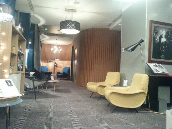 Platine Hotel: Hall