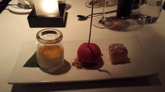 Dinner Bar & Restaurant: Dessert på Dinner