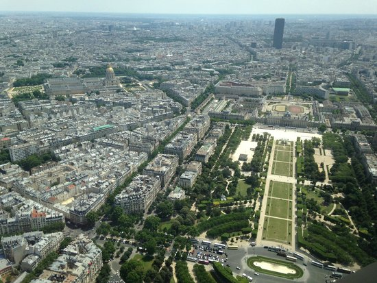 Tour Eiffel : A View from the Tower
