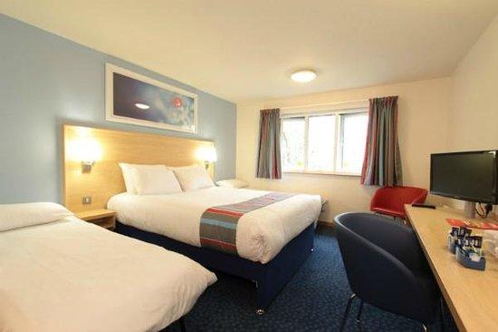 Travelodge Pembroke Dock: Family bedroom
