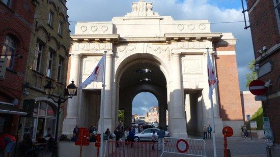 Menin Gate Memorial : Menin Gate