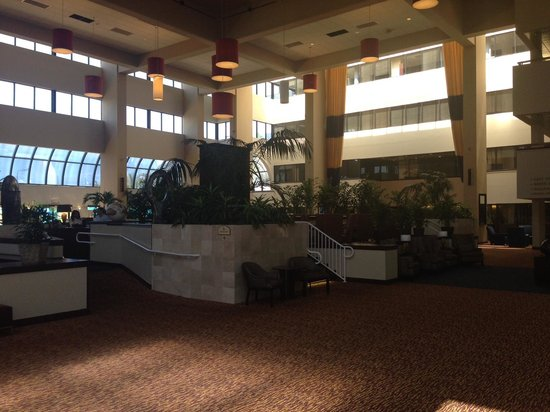 Embassy Suites by Hilton West Palm Beach Central: Lobby/Bar