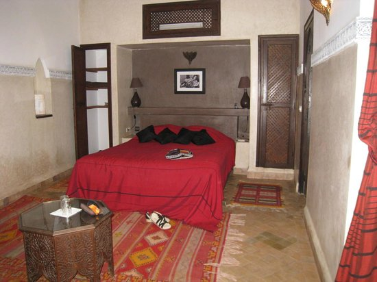 Riad el Noujoum: chambre du bas