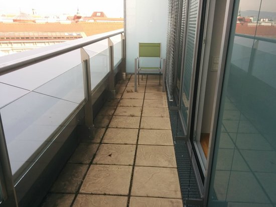 Novotel Wien City : narrow balcony