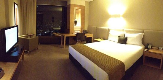 Crown Promenade Melbourne: clean, modern and new room