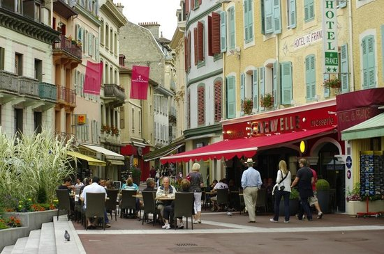 rue nationale picture of evian les bains haute savoie tripadvisor. Black Bedroom Furniture Sets. Home Design Ideas
