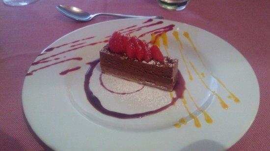 Tocco D'Italia : Service soigné et dessert raffiné.