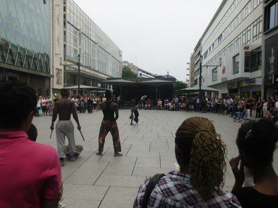 Frankfurt on Foot Walking Tours : Alguma Platz que n lembro o nome..