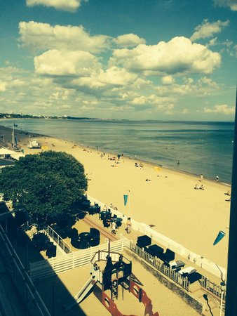Sandbanks Hotel: Balcony view