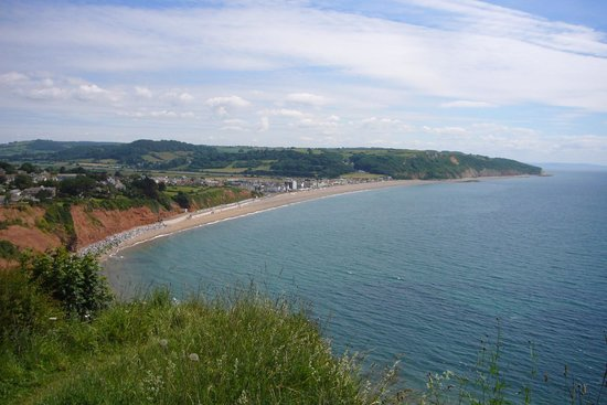 Mariners B&B: Seaton from the cliff walk to Beer