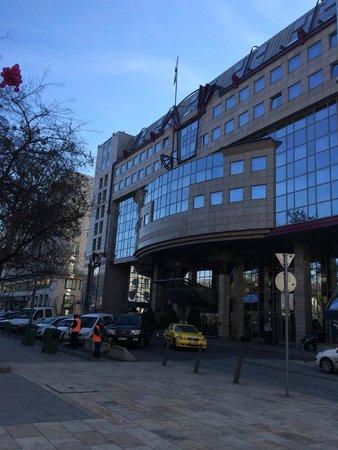Kempinski Hotel Corvinus Budapest: Внешне не очень привлекателен, но окружение хороше!