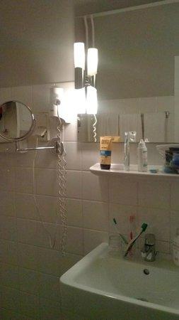 Mercure Hotel Berlin am Alexanderplatz: zona lavabo