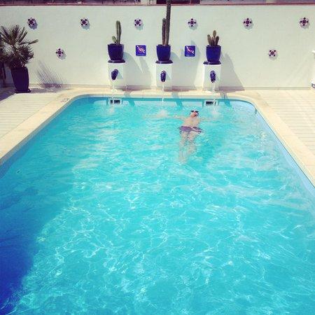 Hotel Becquer: Piscine Becquer