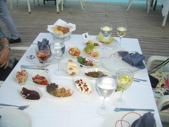 Voyage Belek Golf & Spa : Vorspeisen im Fischrestaurant