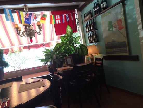 Pasta Mia: interior