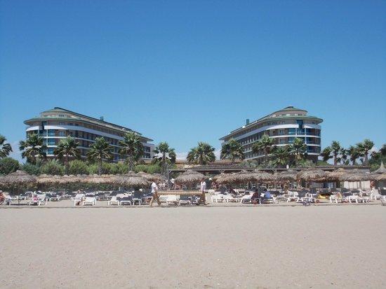 Voyage Belek Golf & Spa: Blick vom Strand