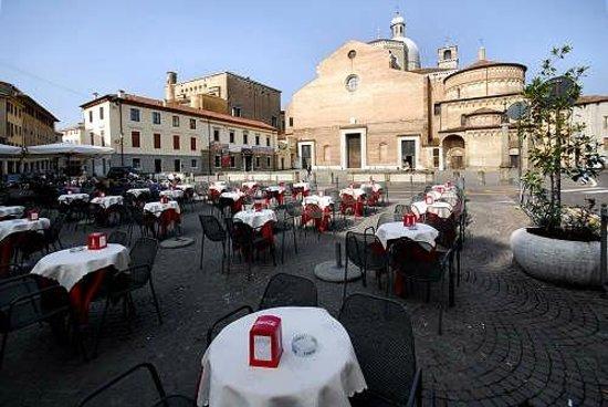 Hotel Europa Padova: Cafeteria con panini y piadinas
