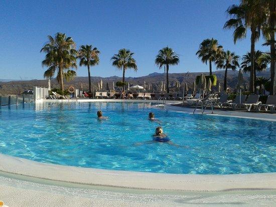 ClubHotel Riu Vistamar: Upper pool