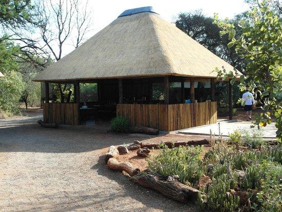 Mosetlha Bush Camp & Eco Lodge: Dining area