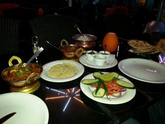 BOMBAY: Yummy Indian Food