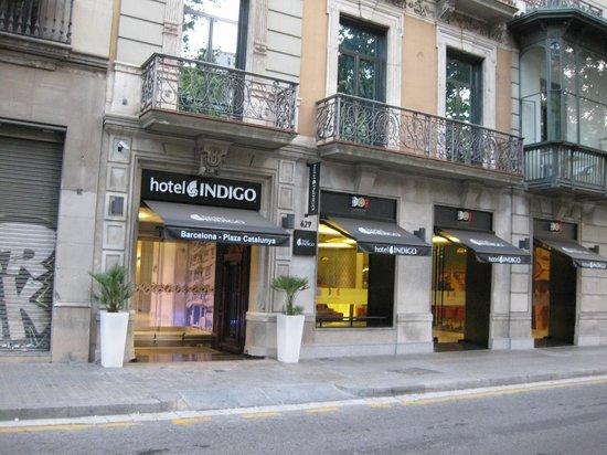 Hotel Indigo Barcelona - Plaza Catalunya: ホテル玄関