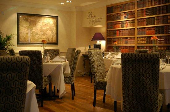 Le Bouchon Hotel: Main Restaurant