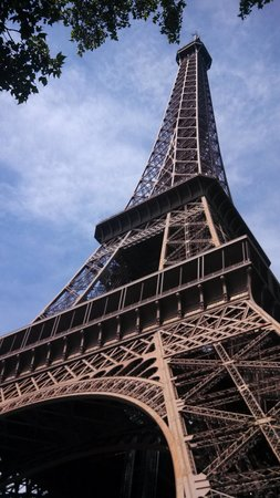 Tour Eiffel : French Lawn Dart