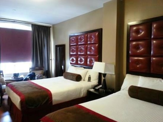 Hotel Belleclaire: 2 double beds
