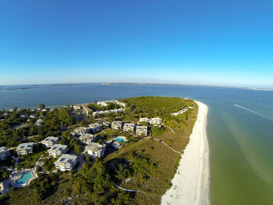 Shell Island Beach Club : Aerial View of Shell Islands nearly 14 acres of beautiful lanscaping