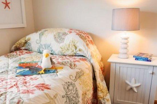 Shoreline Oceanfront Rooms and Suites: Suite Bedroom!