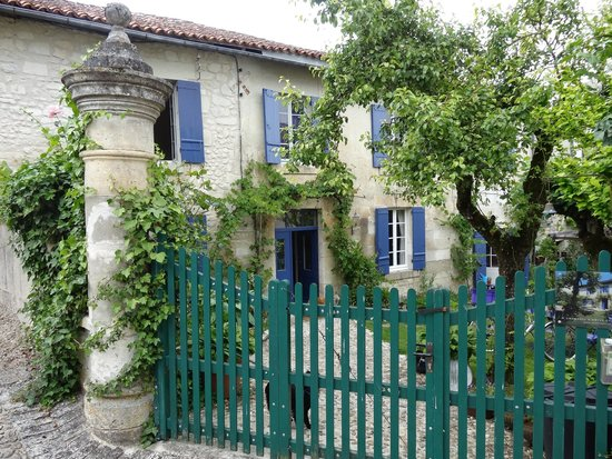 Chambres d'Hotes Gaillardon: La maison