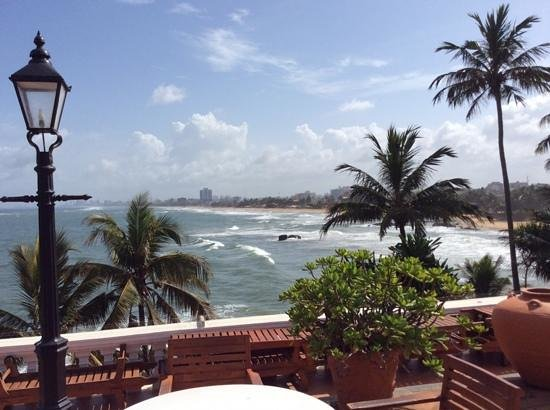 Mount Lavinia Hotel : view from terrace.