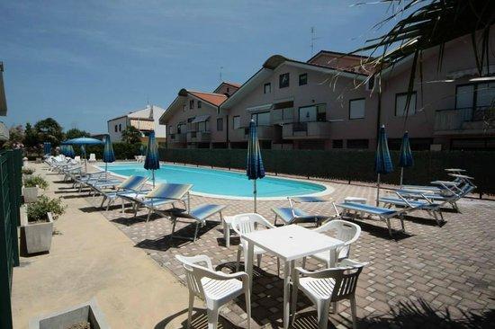 Polena Residence Hotel: piscina