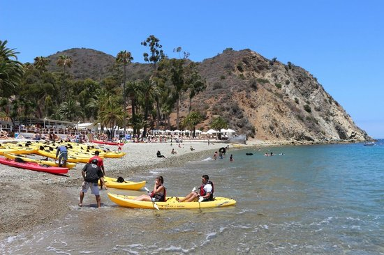 Descanso Beach: lay on the beach or enjoy the water away from the inner harbour