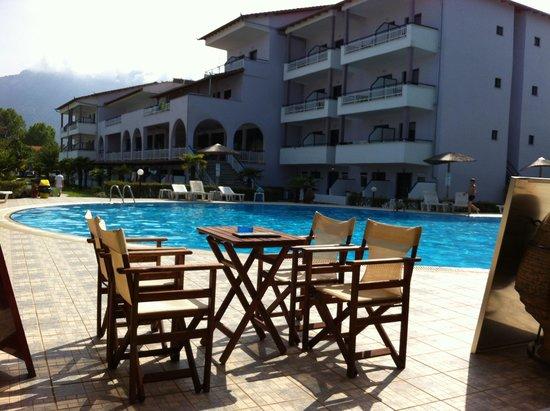 Ioannis Hotel: Hotel exterior