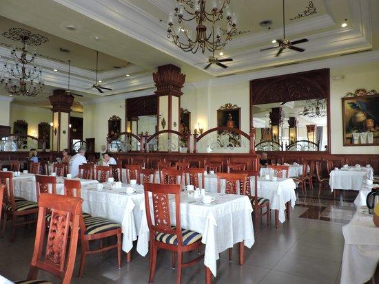 Hotel Riu Palace Paradise Island : RESTAURANT/DESAYUNADOR BUFFET