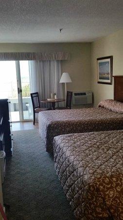 Atlantic View Hotel: First Floor Corner Room: Ocean View