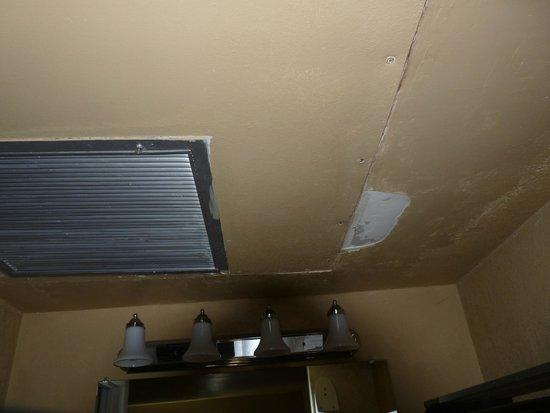 Quality Inn - Flagstaff / East Lucky Lane : plafond de chambre
