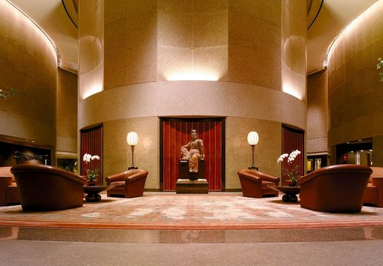 Shangri-La's Far Eastern Plaza Hotel Taipei : 國際品牌奢華酒店大堂卻平和安靜