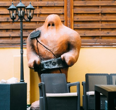 Hotel Hastal Prague Old Town: the golem figure which also appears at the enterance of the hotel