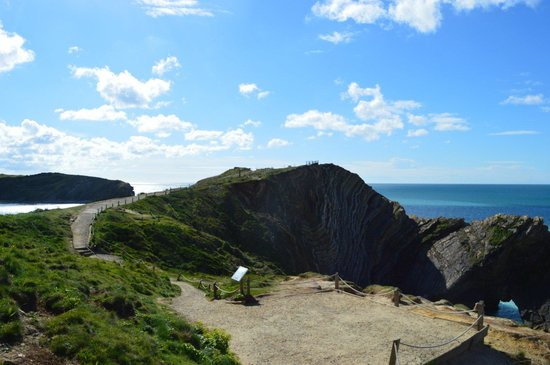 Lulworth Cove and Durdle Door : Lulworth view