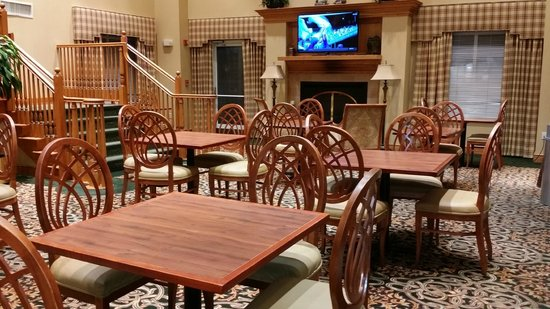 Homewood Suites Tallahassee : Dining area