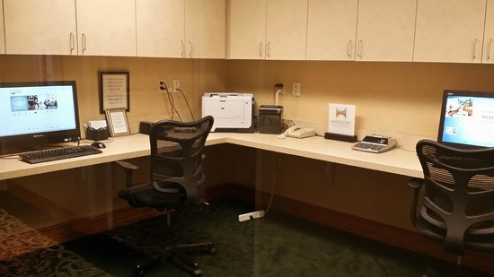 Homewood Suites Tallahassee : Business center