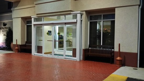 Homewood Suites Tallahassee: Main entrance