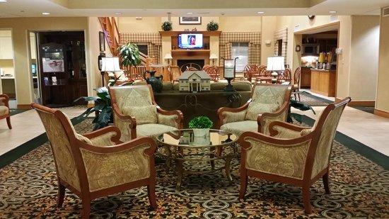 Homewood Suites Tallahassee: Lobby