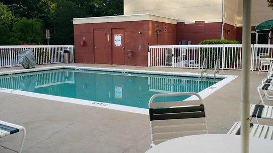 Homewood Suites Tallahassee: Pool