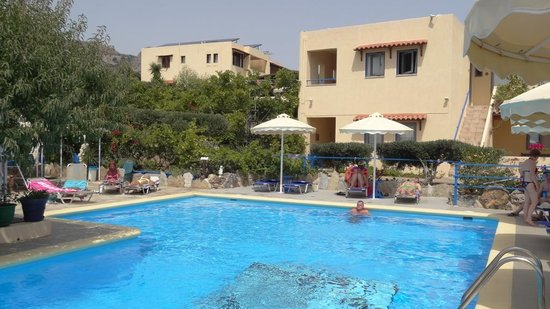 Elounda Heights Apartments and Studios: apartments & pool
