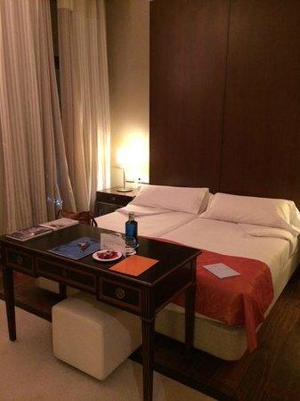 Hospes Amerigo: Our Room