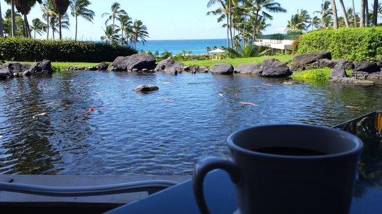 Grand Hyatt Kauai Resort & Spa: Having coffee in the Hyatt's breakfast area.